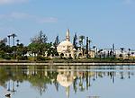CYPRUS, Larnaca: Hala Sultan Tekkesi mosque at salt lake | ZYPERN, Larnaka: Hala Sultan Tekkesi Moschee am Salzsee