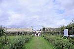 PLASTIQUE DANSE FLORE..Choregraphie: ..Compagnie ..Decors : ..Lumières : ..Artiste plasticienne: ..Avec :....Cadre : Plastique Danse Flore..Lieu: Potager du Roi..Ville : Versailles..le 18/09/2011..© Laurent Paillier / photosdedanse.com..All rights reserved
