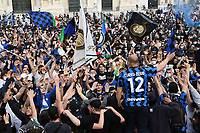FC Internazionale fans celebrate the victory of the 19th Serie A football championship of the club in Milano (Italy), May 2nd, 2021.<br /> Photo Daniele Buffa / Image Sport / Insidefoto