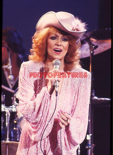 Dottie West 1981 on Midnight Special.© Chris Walter.