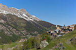 Village de Saint-Véran souvent qualifié de  plus haute commune de France ou d'Europe situé à 2042 m d'altitude.<br /> Saint Véran village. At the altitude of 2042 m, this village is said to be the highest in France and Europe