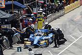 Verizon IndyCar Series<br /> Chevrolet Detroit Grand Prix Race 2<br /> Raceway at Belle Isle Park, Detroit, MI USA<br /> Sunday 4 June 2017<br /> Scott Dixon, Chip Ganassi Racing Teams Honda pit stop<br /> World Copyright: Michael L. Levitt<br /> LAT Images