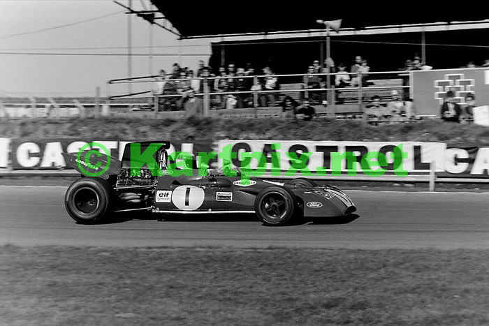 Jackie Stewart at the Rothmans World Championship Victory Race in 1971.
