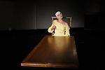 ..Choregraphie : Erika Di Crescenzo..Musique : Evan Gardner..Avec :..Erika Di Crescenzo..Cadre : fenetre sur cour(s)..Lieu : Fondation Royaumont..Ville : Asniere sur Oise..Le : 13 12 2009..© Laurent PAILLIER / photosdedanse.com..All rights reserved