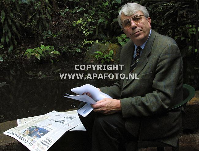 arnhem 240102 ANTOON van Hooff (dir. burgers dierenpark) <br /> foto frans ypma APA-foto