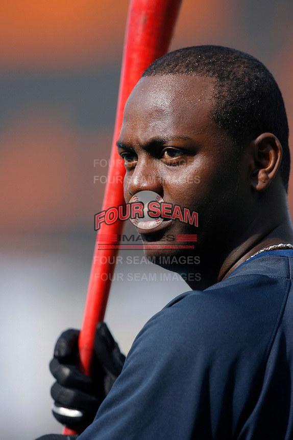 Edgar Renteria of the Atlanta Braves during batting practice before a game from the 2007 season at Dodger Stadium in Los Angeles, California. (Larry Goren/Four Seam Images)