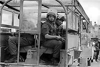 - Israeli soldiers patrol Gaza city ....- militari israeliani pattugliano la città di Gaza