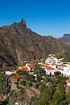 Spain, Gran Canaria, Tejeda: Roque Bentayga | Spanien, Gran Canaria, Bergdorf Tejeda vorm Roque Bentaiga