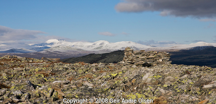 Hunting in the Norwegian mountains at Venabygdsfjell at autumn