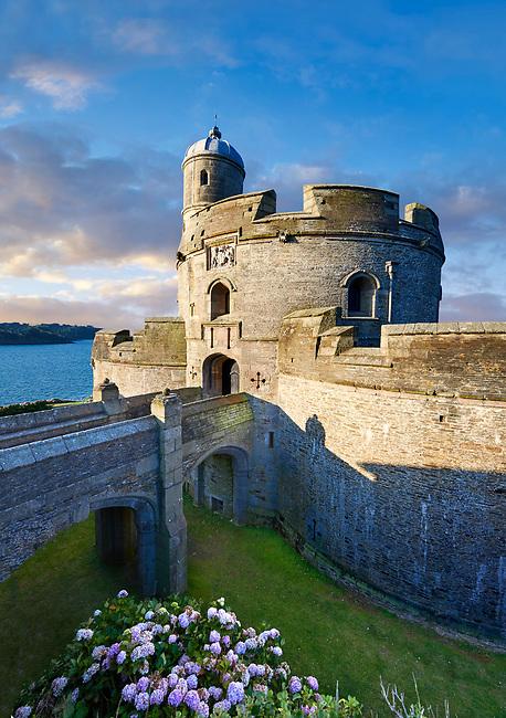 St Mawes Castel defensive Tudor coastal fortresses (1540) built  for King Henry VIII, Falmouth, Cornwall, England