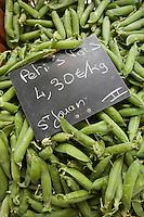 Europe/France/Bretagne/35/Ille et Vilaine/ Saint-Malo/Paramé : Sur le marché ,petis pois