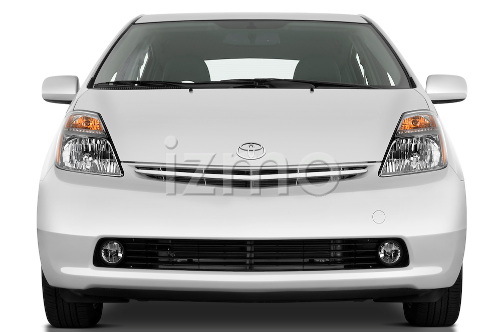 Straight front view of a 2008 toyota prius touring