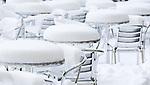 Deutschland, Bayern, Muenchen: Winterimpressionen beim Cafe Arzmiller am Salvatorplatz | Germany, Bavaria, Munich: winter scene at Cafe Arzmiller a  Salvator Square