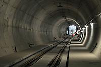 Begehung Citytunnel City-Tunnel Leipzig - Stationen Hauptbahnhof, Markt, Wilhelm-Leuschner-Platz - die Stationen bekommen so langsam ihren Innenausbau - Verkleidungen werden an die Wände gebracht und die Signalanlage sind an einigen Stellen auch schon vorbereitet - im Bild: Haltestelle Station Wilhelm-Leuschner-Platz / Leuschnerplatz.  Foto: aif / Norman Rembarz..Jegliche kommerzielle wie redaktionelle Nutzung ist honorar- und mehrwertsteuerpflichtig! Persönlichkeitsrechte sind zu wahren. Es wird keine Haftung übernommen bei Verletzung von Rechten Dritter. Autoren-Nennung gem. §13 UrhGes. wird verlangt. Weitergabe an Dritte nur nach  vorheriger Absprache. Online-Nutzung ist separat kostenpflichtig...