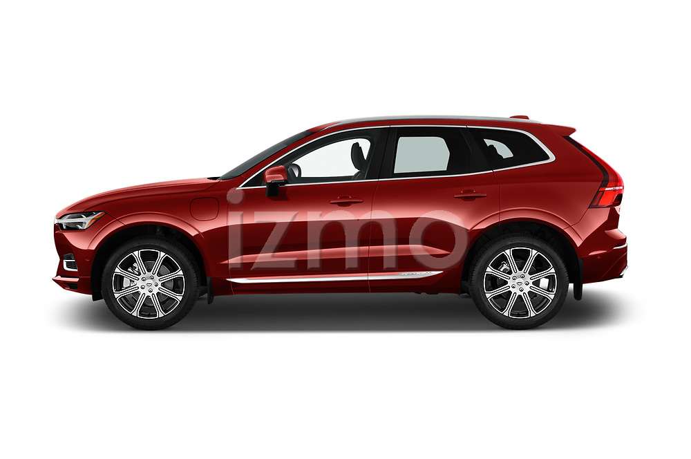 Car Driver side profile view of a 2018 Volvo XC60-Hybride-Rechargeable Inscription-4wd 5 Door SUV Side View