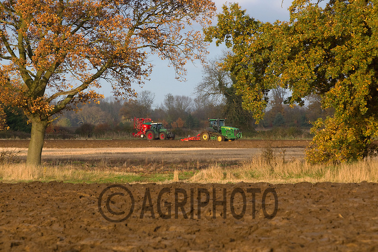 John Deere rubber trac crawler power harrowing and a Fendt drilling in Lincolnshire..Picture Tim Scrivener date taken 20th November 2012.mobile 07850 303986 e-mail tim@agriphoto.com.....covering agriculture in the Uk....