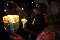 Procissao de Nossa Senhora de Fatima.<br /> <br /> A procissão das velas, em homenagem a Nossa Senhora de Fátima. A iluminação das ruas do entorno do Santuário de Fátima, em Belém, ficou a cargo das chamas das velas carregadas pelos devotos de Nossa Senhora de Fátima. Realizada tradicionalmente desde 1966, a Procissão das Velas, que integra as festividades alusivas à santa, percorreu várias ruas após a celebração de uma  missa, <br /> <br /> Belem, Para, Brasil.<br /> Foto Ney Marcondes<br /> 12/05/2015