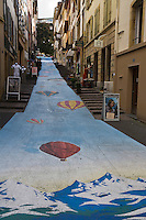 Europe/Suisse/Jura Suisse/ Neuchâtel: Détail ruelle peinte de la vieille ville