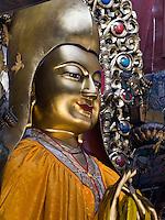 Tsongkapa-Statue im Lamatempel, Yonghe Gong, Peking, China, Asien<br /> Statue of Tsongkapa in Lama temple Yonghe Gong, Beijing, China, Asia