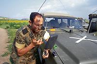 - paratroopers during NATO exercises in southern Italy  ....- paracadutisti durante esercitazioni NATO in Italia meridionale