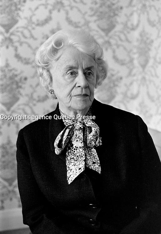 Therese Forget Casgrain<br /> le  19 novembre 1971<br /> <br /> Photographe : Photo Moderne