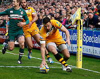 Photo: Richard Lane/Richard Lane Photography. Leicester Tigers v London Wasps. Aviva Premiership. 12/04/2014. Wasps' Tommy Bell touches down for a try.