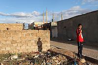 Tunisia, Sidi Bouzid, il dopo rivoluzione: un ragazzino vicino alla casa di Mohamed Bouazizi, l'attivista che si è dato fuoco dando inizio alla rivolta tunisina.<br /> TUNISIA after spring revolution