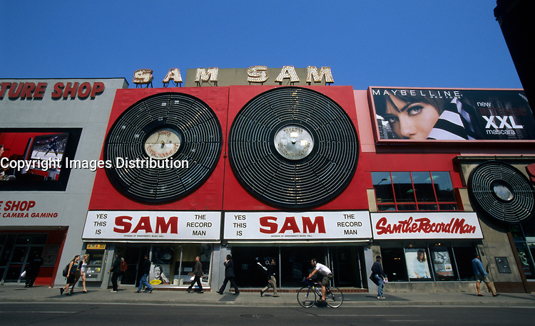 Toronto (On) CANADA, May 24, 2007 - File Photo<br /> <br /> Sam the Recordman, flagship store on Younge Street in Toronto will close for good on June 30, unable to compete with downloads and superstores. The company had previoulsly filed for bankrupcy but the Yonge St store remained open  until now.<br /> <br /> <br /> <br /> Photo by Pierre Roussel / Images Distribution