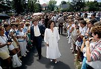 FILE - Nicole Martin au mariage de Rene Simard le 8 août 1987, à l'église Saint-Sauveur.<br /> <br /> <br />  Photo : Pierre Roussel - Agence Quebec Presse