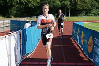Jan Luca Oechler (Eintracht Frankfurt) im Ziel - Mörfelden-Walldorf 18.07.2021: MoeWathlon