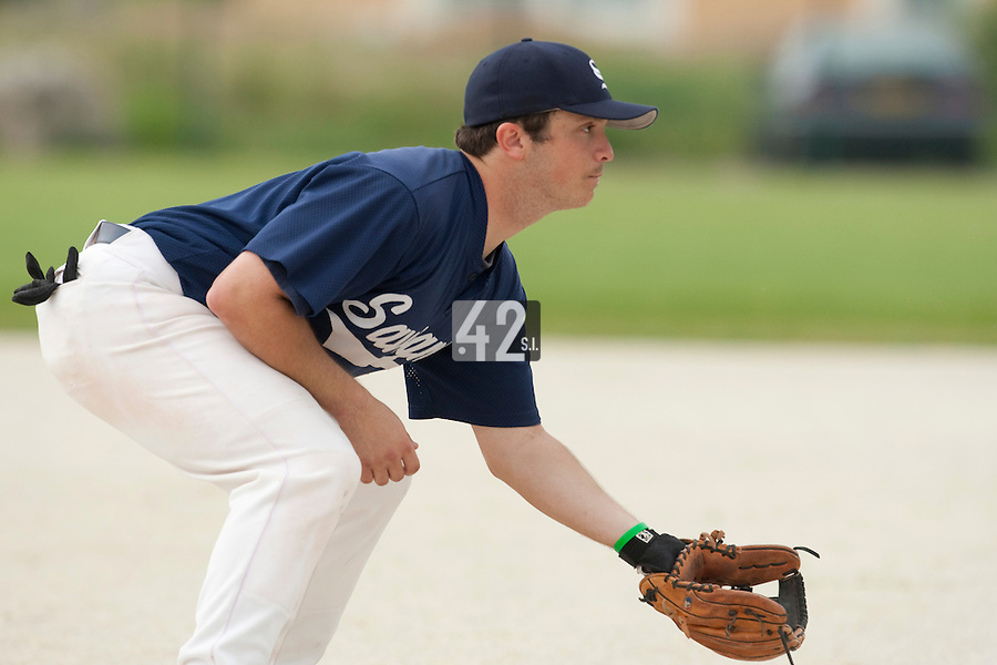 21 May 2009: Alex Pickett of Savigny is seen at third base during the 2009 challenge de France, a tournament with the best French baseball teams - all eight elite league clubs - to determine a spot in the European Cup next year, at Montpellier, France.