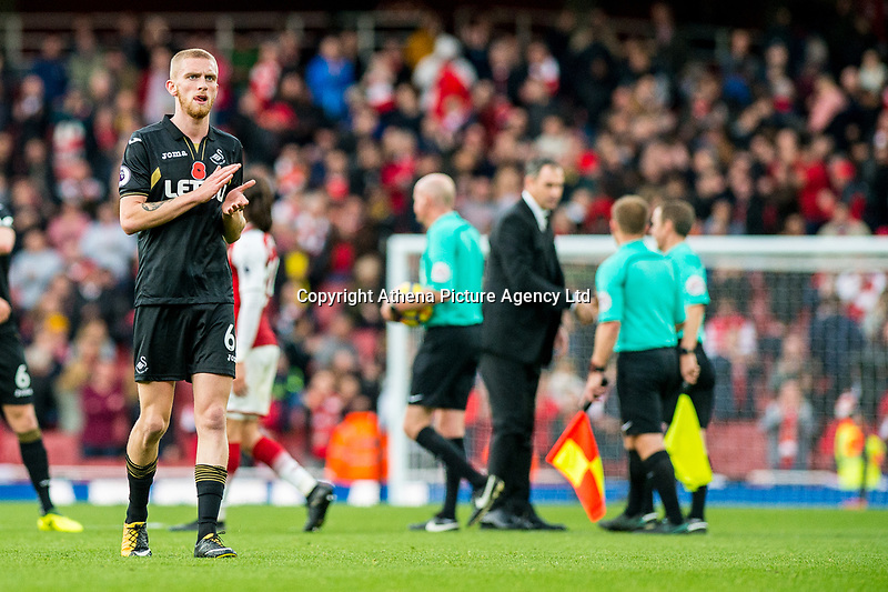 Oliver McBurnie applauds fans during the Premier League match between Arsenal and Swansea City at Emirates stadium, London, England, UK. Saturday 28 October 2017