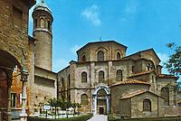 Ravenna: Temple of San Vitale, 5th century.