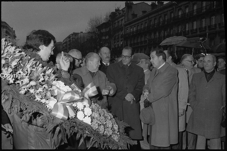 24 Janvier 1982. Vue de Jacques Chirac, Pierre Baudis, Charles Pasqua et Bernard Pons dans les rues de Toulouse.
