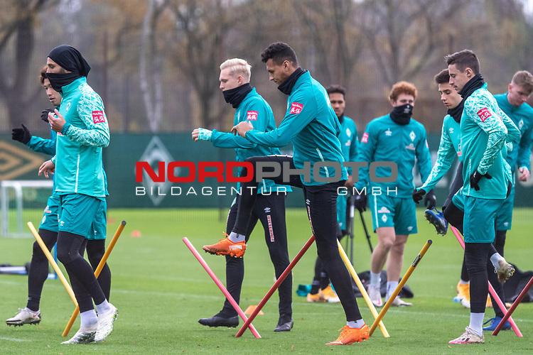 16.11.2020, Trainingsgelaende am wohninvest WESERSTADION - Platz 12, Bremen, GER, 1.FBL, Werder Bremen Training<br /> <br /> Ömer / Oemer Toprak (Werder Bremen #21)<br /> Julian Rieckmann (Werder Bremen II #33)<br /> Davie Selke  (SV Werder Bremen #09)<br /> Marco Friedl (Werder Bremen #32)<br /> <br /> <br /> <br /> <br /> Foto © nordphoto / Kokenge