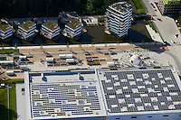 DEUTSCHLAND Hamburg, Bauprojekte der IBA Internationale Bauausstellung, WaterHouses sowie Eingang IGS Internationale Gartenschau mit Schwimmbad mit Solardach<br /> /<br /> GERMANY Hamburg Wilhelmsburg, IGS and IBA projects , solar roof