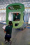 Produção de aviões emb-170 na Embraer. São José dos Campos. São Paulo. 2001. Foto de Juca Martins.
