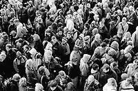 Switzerland. Neuchâtel canton. Neuchâtel. Expo 02. The crowd waits on line during the national exhibition. © 2002 Didier Ruef ..