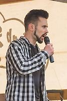 """Knapp 100 Mitglieder und Anhaenger der sog. """"Identitaeren"""" demonstrierten am Freitag den 17. Juni 2016 in Berlin. Angemeldet waren laut Veranstalter 400 Teilnehmer. Die rechtsextremen Teilnehmer des Aufmarsches kamen aus Berlin, Bayern und Oestrreich und skandierten Parolen wie """"Berlin ist unsere Stadt"""", """"Festung Europa, macht die Grenzen dicht"""" und No Border, No Nation, Stop Immigration"""".<br /> Im Bild: Karsten Vielhaber (alias Karsten<br /> Verber), Identitaere Berlin.<br /> 17.6.2016, Berlin<br /> Copyright: Christian-Ditsch.de<br /> [Inhaltsveraendernde Manipulation des Fotos nur nach ausdruecklicher Genehmigung des Fotografen. Vereinbarungen ueber Abtretung von Persoenlichkeitsrechten/Model Release der abgebildeten Person/Personen liegen nicht vor. NO MODEL RELEASE! Nur fuer Redaktionelle Zwecke. Don't publish without copyright Christian-Ditsch.de, Veroeffentlichung nur mit Fotografennennung, sowie gegen Honorar, MwSt. und Beleg. Konto: I N G - D i B a, IBAN DE58500105175400192269, BIC INGDDEFFXXX, Kontakt: post@christian-ditsch.de<br /> Bei der Bearbeitung der Dateiinformationen darf die Urheberkennzeichnung in den EXIF- und  IPTC-Daten nicht entfernt werden, diese sind in digitalen Medien nach §95c UrhG rechtlich geschuetzt. Der Urhebervermerk wird gemaess §13 UrhG verlangt.]"""