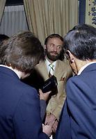 Nestor Skalbania achete les ALOUETTES de MONTREAL<br /> , le 1er avril 1981<br /> <br /> PHOTO : Agence Quebec Presse