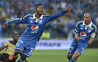 BOGOTÁ -COLOMBIA, 16-03-2014. Alex Diaz(Izq) de Millonarios celebra un gol en contra del Itaguí durante partido por la fecha 11 de la Liga Postobón  I 2014 jugado en el estadio Nemesio Camacho el Campín de la ciudad de Bogotá./ Alex Diaz (L) of Millonarios celebrates a goal  against Itagui during for the 11th date of the Postobon  League I 2014 played at Nemesio Camacho El Campin stadium in Bogotá city . Photo: VizzorImage/ Gabriel Aponte / Staff