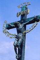 auf der Karlsbruecke (Karlov Most), Prag, Tschechien, Unesco-Weltkulturerbe.