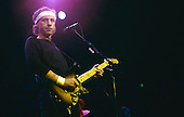 DIRE STRAITS - MARK KNOPFLER PERFORMING LIVE AT WEMBLEY ARENA, LONDON, ENGLAND  1985