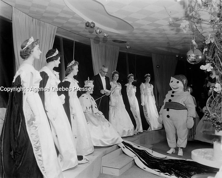 Le  Carnaval de Québec avec Brigitte Desrocher, Duché de Montmorency - Reine 1958<br /> <br /> Photographe : Photo Moderne<br /> - Agence Quebec Presse