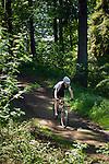 Germany, Thuringia, Ilmenau: mountainbiking on Kickelhahn mountain (861 m) in Thuringian Forest | Deutschland, Thueringen, Ilmenau: Mountainbiking am Kickelhahn, 861 Meter hoher Berg im Thueringer Wald, der Goethe-Wanderweg fuehrt hier entlang