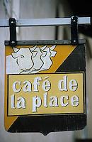 Europe/France/Bourgogne/Saône-et-Loire/St Christophe en Brionnais: détail enseigne d'un restaurant du village connu pour son marché aux bovins charolais le jeudi matin