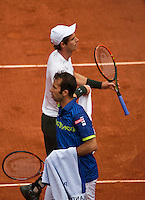 Paris, France, 23 june, 2016, Tennis, Roland Garros, Andy Murray (GBR) top and Radek Stepanek (CZE) passing eachother at changeover<br /> Photo: Henk Koster/tennisimages.com