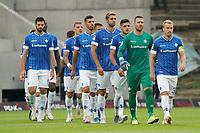 Lilien laufen ein<br /> <br /> - 28.08.2021 Fussball 2. Bundesliga, Saison 21/22, SV Darmstadt 98 vs Hannover 96, Stadion am Boellenfalltor, emonline, emspor, <br /> <br /> Foto: Marc Schueler/Sportpics.de<br /> Nur für journalistische Zwecke. Only for editorial use. (DFL/DFB REGULATIONS PROHIBIT ANY USE OF PHOTOGRAPHS as IMAGE SEQUENCES and/or QUASI-VIDEO)
