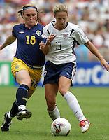 Kristine Lilly vs Oestberg of Sweden. 2003 WWC USA v Sweden