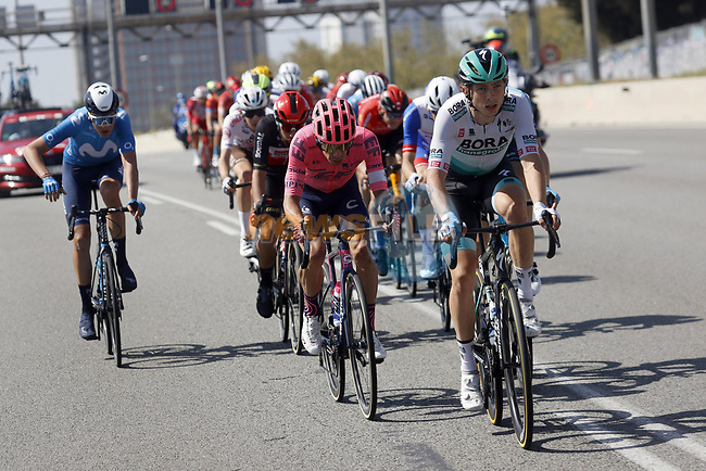 Ide Schelling (NED) Bora-Hansgrohe in the peloton during Stage 7 of the 100th edition of the Volta Ciclista a Catalunya 2021, running 133km from Barcelona to Barcelona, Spain. 28th March 2021.   <br /> Picture: Bora-Hansgrohe/Luis Angel Gomez/BettiniPhoto | Cyclefile<br /> <br /> All photos usage must carry mandatory copyright credit (© Cyclefile | Bora-Hansgrohe/Luis Angel Gomez/BettiniPhoto)